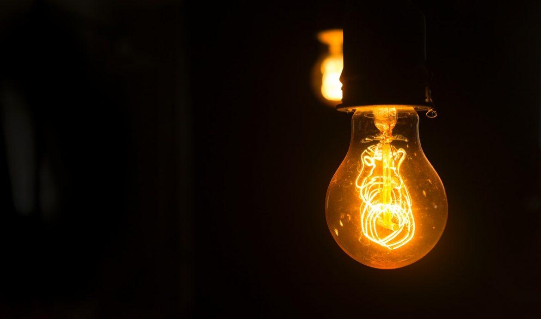 Dająca mnóstwo światła żarówka led e27 g45.